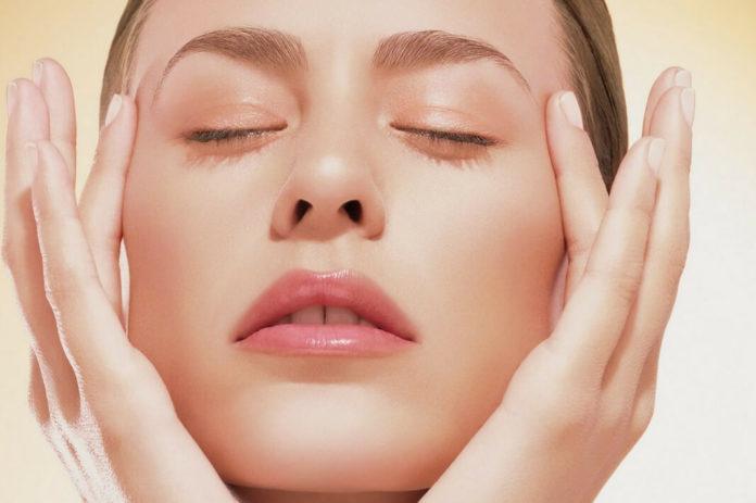 Подборка эффективных рецептов от морщин вокруг глаз и гусиных лапок